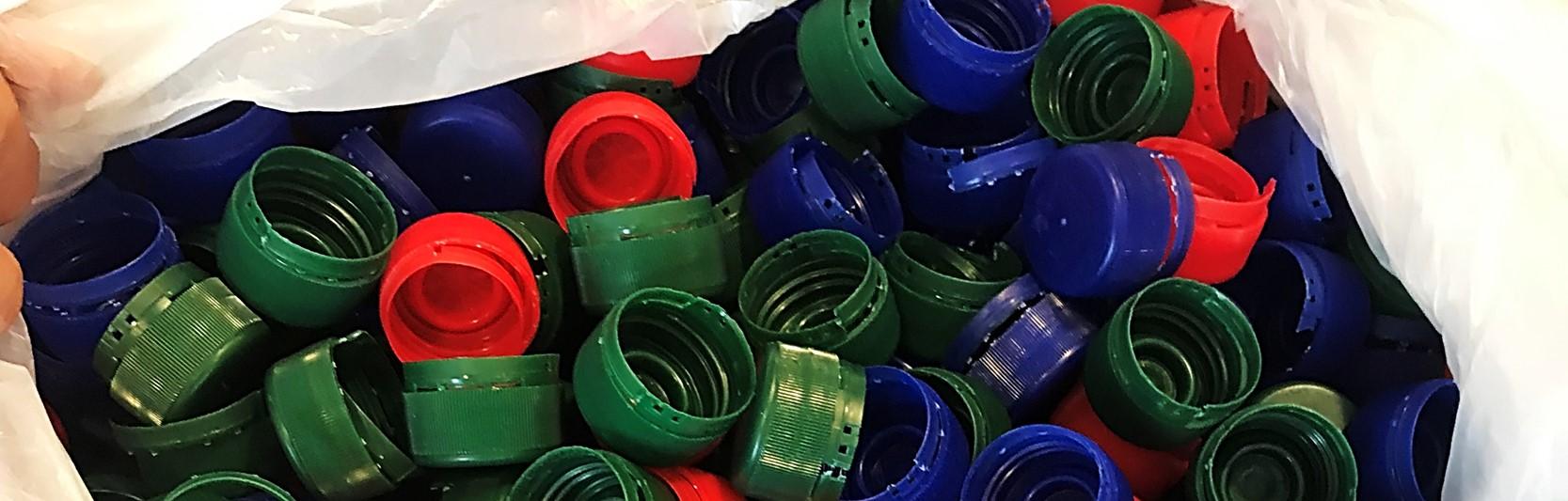 Newsartikel:Plastikdeckel sammeln für den guten Zweck – ein Senior engagiert sich