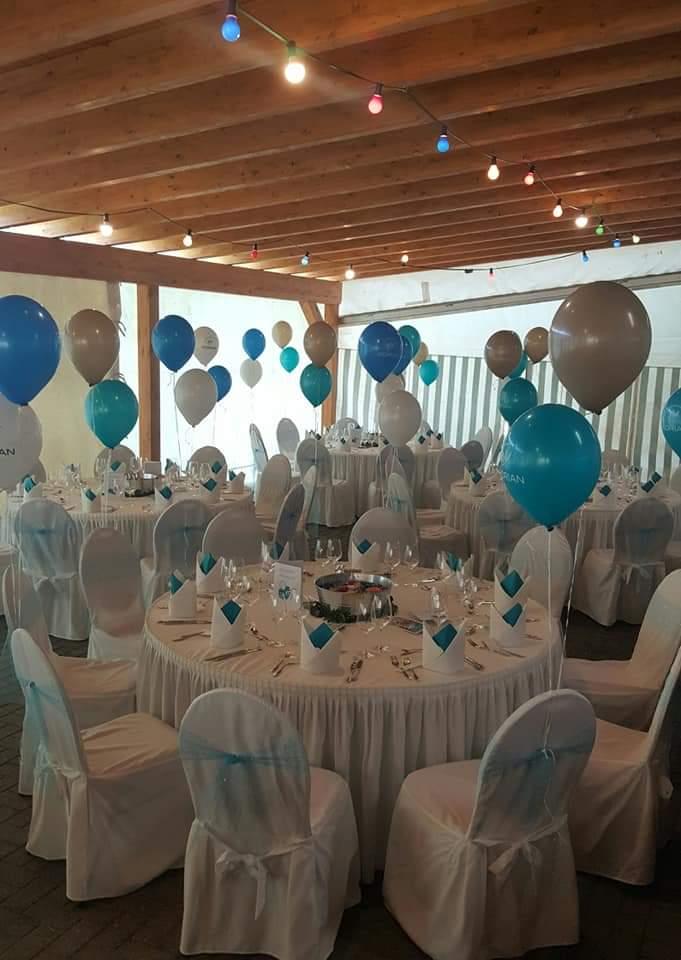 Auch in diesem Jahr legten sich die Mitarbeiter des Seniorenheim in Vilseck bei der Dekoration für das Gala-Dinner wieder mächtig ins Zeug.