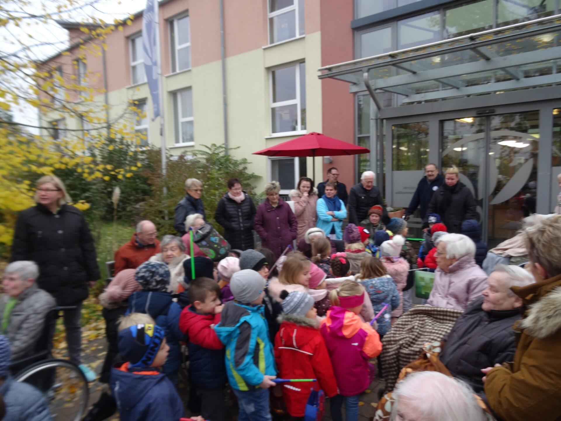 Matinssingen durch städtischen Kindergarten Oppau 11.11.2019